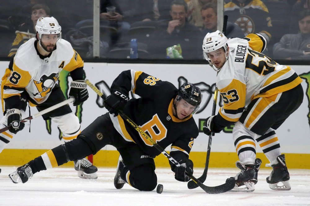Crosby scores, Penguins allow four unanswered goals in loss to Boston
