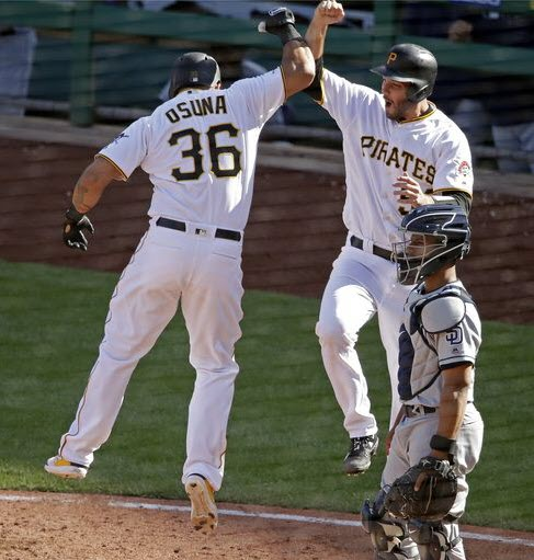 Frazier's go-ahead hit 8th lifts Pirates to 6-3 win over Padres