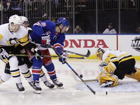 Penguins blow lead, fall in OT to Rangers