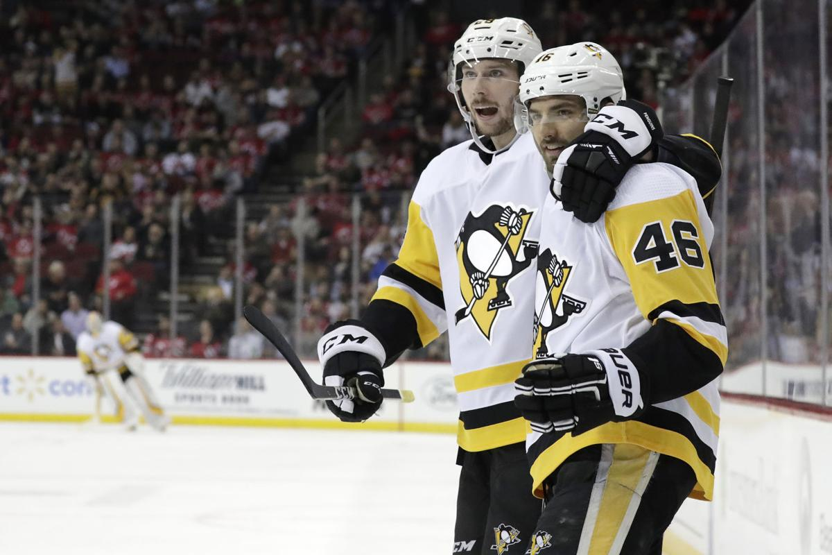 Penguins avoid season sweep with 4-3 win over Devils