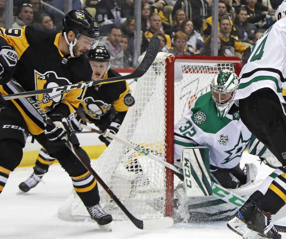 Pens pace Stars in 3-1 win