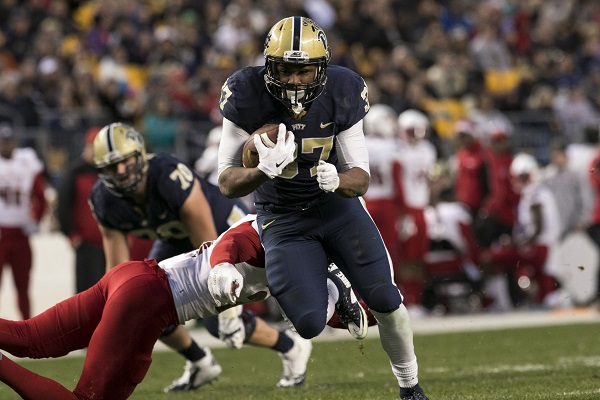 Pitt offense explodes early in 45-34 win over Louisville