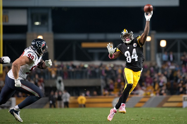 Steelers ride second quarter rally to beat Texans 30-23