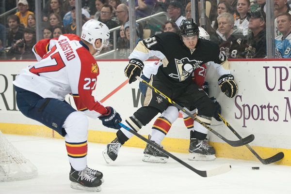 Pens top streaking Panthers 3-1