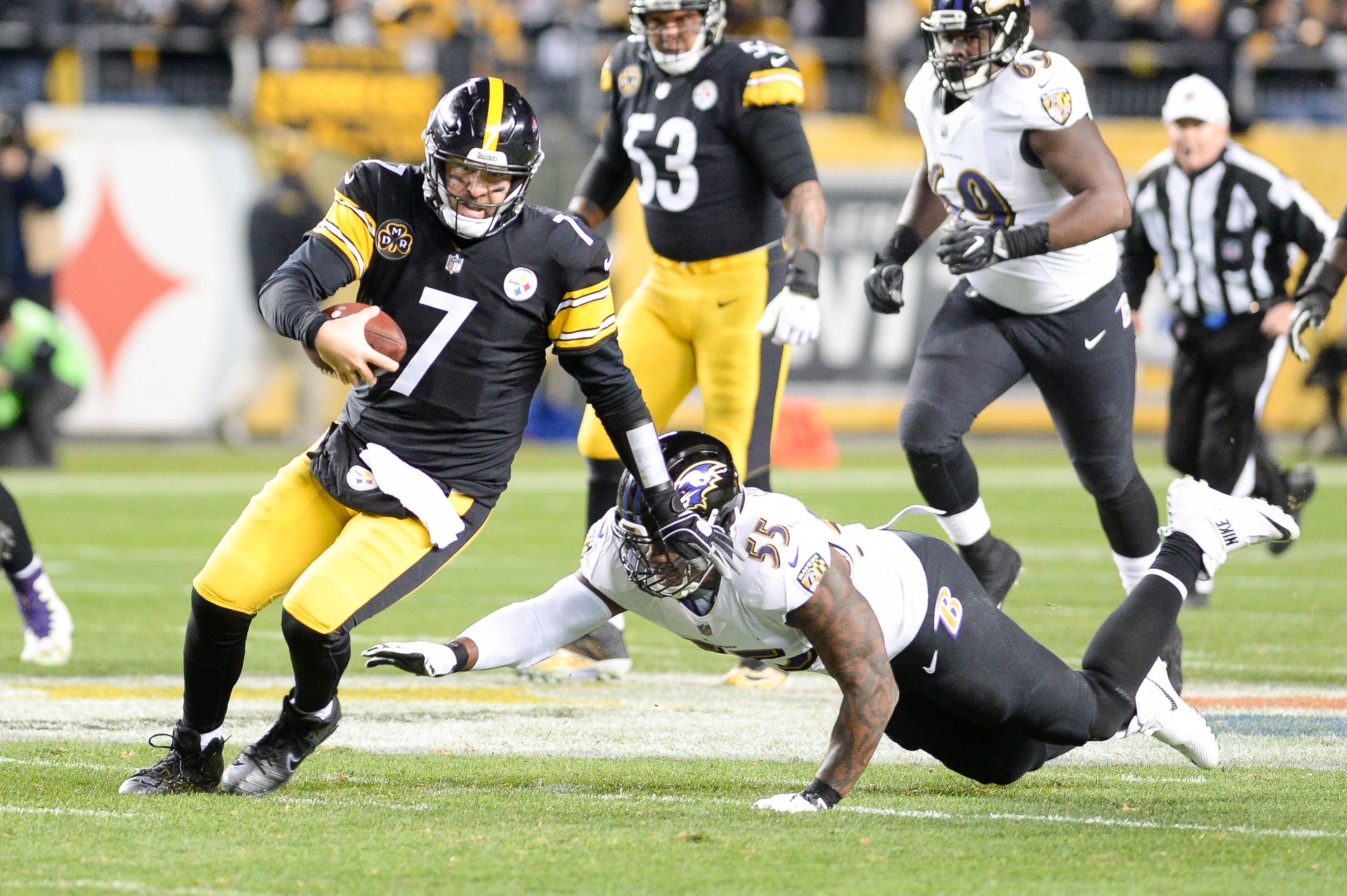 Steelers rally back to beat Ravens, clinch division