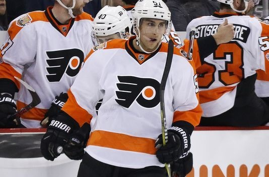Flyers score four in third to beat Penguins 6-2