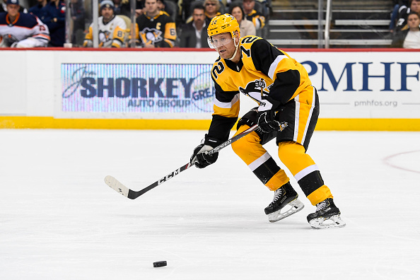 Hornqvist scores twice, Penguins rip listless Red Wings 5-1