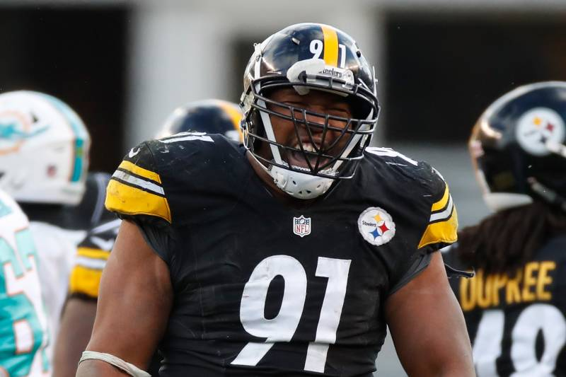 Torn pectoral muscle ends season for Tuitt